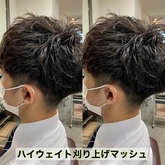 メンズパーマ メンズマッシュ メンズショート ナチュラル ヘアスタイルや髪型の写真・画像