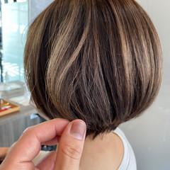 ハイライト 極細ハイライト ショートボブ 大人ハイライト ヘアスタイルや髪型の写真・画像