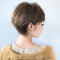 大人ショート 丸みショート ナチュラル ショートボブ ヘアスタイルや髪型の写真・画像