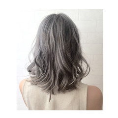 ゆるふわ ハイライト グラデーションカラー アッシュ ヘアスタイルや髪型の写真・画像