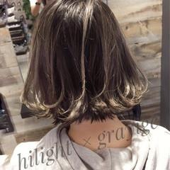 ボブ ストリート 切りっぱなし ハイライト ヘアスタイルや髪型の写真・画像