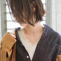 アッシュ こなれ感 切りっぱなし 外国人風 ヘアスタイルや髪型の写真・画像