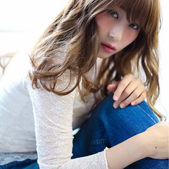 ガーリー カール 大人かわいい ブラウン ヘアスタイルや髪型の写真・画像