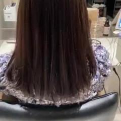 簡単スタイリング グレージュ アッシュブラウン 前髪あり ヘアスタイルや髪型の写真・画像