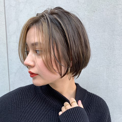 ナチュラル ショートヘア インナーカラー ショコラブラウン ヘアスタイルや髪型の写真・画像