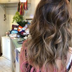 バレイヤージュ 外国人風カラー マニパニ 裾カラー ヘアスタイルや髪型の写真・画像
