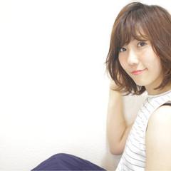 前髪あり ゆるふわ 抜け感 ナチュラル ヘアスタイルや髪型の写真・画像
