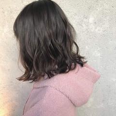 お洒落 切りっぱなしボブ コテ巻き 外ハネ ヘアスタイルや髪型の写真・画像