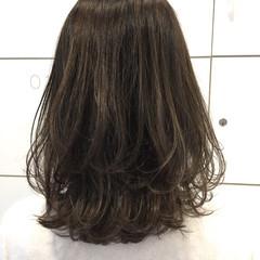 グレージュ アッシュ コンサバ アッシュグレー ヘアスタイルや髪型の写真・画像