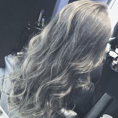 アッシュ アッシュグレージュ グレージュ ロング ヘアスタイルや髪型の写真・画像
