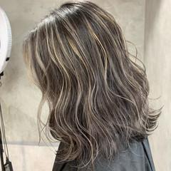 アッシュ バレイヤージュ ハイライト モード ヘアスタイルや髪型の写真・画像
