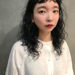 ウェーブヘア 無造作パーマ パーマ ロング ヘアスタイルや髪型の写真・画像