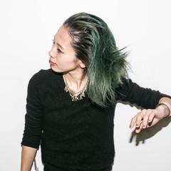 ハイトーン ミディアム グリーン グラデーションカラー ヘアスタイルや髪型の写真・画像