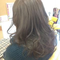 アッシュ 外国人風カラー ゆるふわ ロング ヘアスタイルや髪型の写真・画像