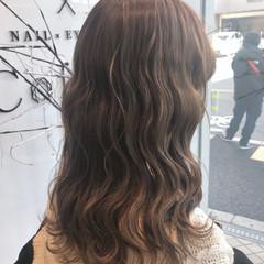 外国人風カラー ハイライト セミロング グレージュ ヘアスタイルや髪型の写真・画像