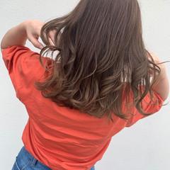 ベージュ アッシュベージュ ナチュラルグラデーション ロング ヘアスタイルや髪型の写真・画像