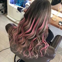 ピンク ハイトーンカラー エクステ ガーリー ヘアスタイルや髪型の写真・画像