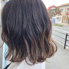 グレージュ グラデーションカラー ナチュラル ヘアアレンジ ヘアスタイルや髪型の写真・画像