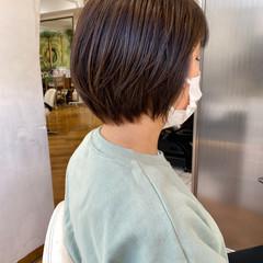 ショートヘア グレージュ ショートボブ ナチュラル ヘアスタイルや髪型の写真・画像