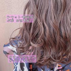 フェミニン ハイライト ピンクブラウン ロング ヘアスタイルや髪型の写真・画像