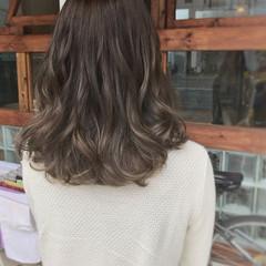 ミディアム モード 大人女子 ヘアアレンジ ヘアスタイルや髪型の写真・画像