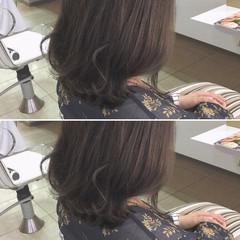 透明感 ナチュラル 外ハネ アッシュ ヘアスタイルや髪型の写真・画像