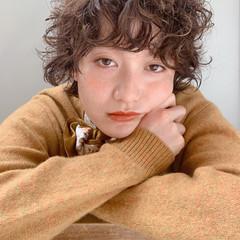 無造作パーマ ゆるふわパーマ エアウェーブ ショートヘア ヘアスタイルや髪型の写真・画像