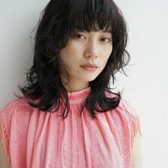 マッシュ モード ウルフカット ミディアム ヘアスタイルや髪型の写真・画像