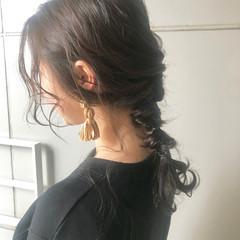 セミロング 編みおろし アンニュイほつれヘア ナチュラル ヘアスタイルや髪型の写真・画像