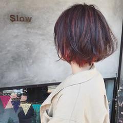 切りっぱなし レッド ハイライト ブリーチ ヘアスタイルや髪型の写真・画像