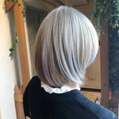 ガーリー ボブ グレージュ ホワイトベージュ ヘアスタイルや髪型の写真・画像