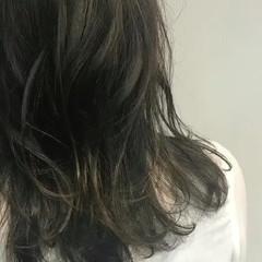 外国人風カラー グレージュ アッシュ ナチュラル ヘアスタイルや髪型の写真・画像