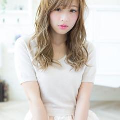 外国人風 前髪あり アッシュ ハイライト ヘアスタイルや髪型の写真・画像