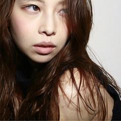 セミロング フェミニン パーマ 外国人風 ヘアスタイルや髪型の写真・画像