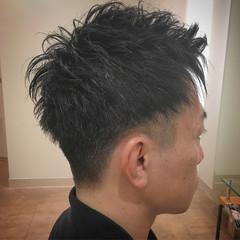 アップバング ツーブロック ストリート 束感 ヘアスタイルや髪型の写真・画像