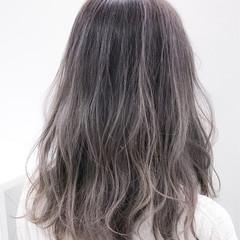 ストリート ブリーチ セミロング ホワイト ヘアスタイルや髪型の写真・画像