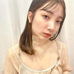 大人可愛い ミルクティーベージュ フェミニン 透明感カラー ヘアスタイルや髪型の写真・画像