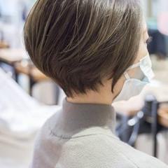 マッシュショート グレージュ ショートボブ ショートヘア ヘアスタイルや髪型の写真・画像