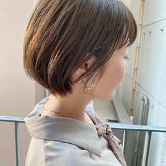 ショートボブ オフィス ナチュラル ショート ヘアスタイルや髪型の写真・画像