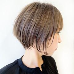 インナーカラー ショート ナチュラル ショートボブ ヘアスタイルや髪型の写真・画像