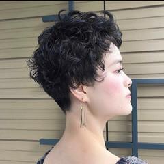 刈り上げ女子 ショートヘア ナチュラル ショート ヘアスタイルや髪型の写真・画像