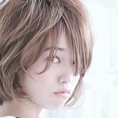 ショート グラデーションカラー ゆるふわ 大人かわいい ヘアスタイルや髪型の写真・画像
