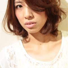 ベース型 ミディアム 卵型 ナチュラル ヘアスタイルや髪型の写真・画像