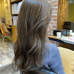 イルミナカラー シアー ナチュラル グレージュ ヘアスタイルや髪型の写真・画像