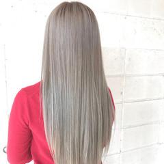 アッシュグレー モード ロング 個性的 ヘアスタイルや髪型の写真・画像
