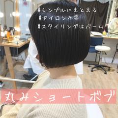 ナチュラル ショートヘア ベリーショート 切りっぱなしボブ ヘアスタイルや髪型の写真・画像