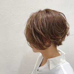 ナチュラル ショート かっこいい 前下がり ヘアスタイルや髪型の写真・画像