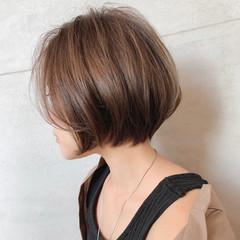 ショートボブ ショートヘア ミニボブ イルミナカラー ヘアスタイルや髪型の写真・画像