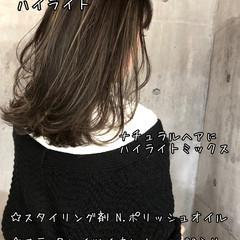 地毛ハイライト コントラストハイライト ミディアム バレイヤージュ ヘアスタイルや髪型の写真・画像
