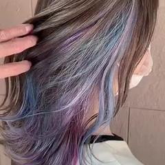 セミロング ユニコーン インナーカラー モード ヘアスタイルや髪型の写真・画像
